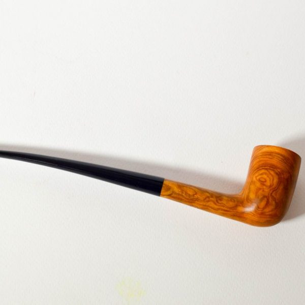 Resize of DSC_1770 olive wood pipe (1)
